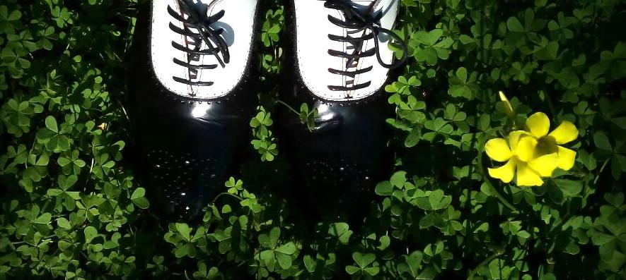 Zapatos de piel en blanco y negro Aida Shoe Maker