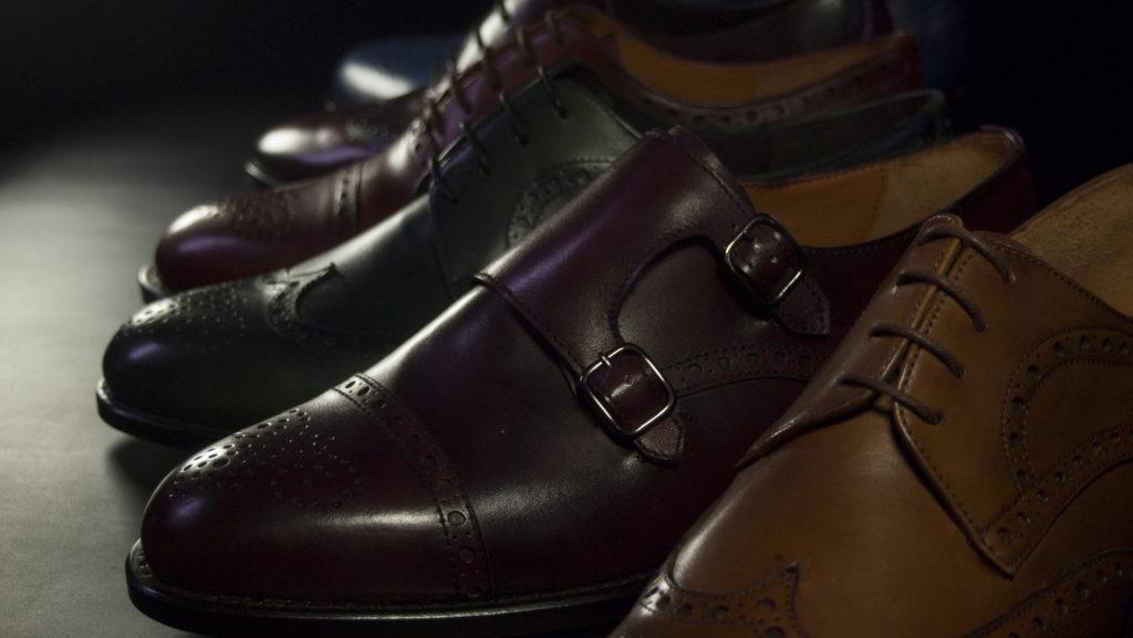 Zapatos Aida de piel de colores fabricados en Mallorca artesanalmente